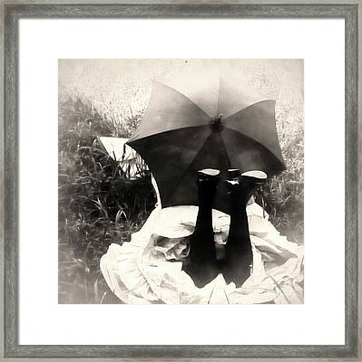Umbrella Girl Framed Print by Mindy Sommers