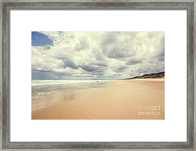 Under A Southern Sky Framed Print by Linda Lees