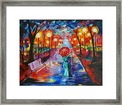 Unforgettable Kiss Framed Print by Leslie Allen