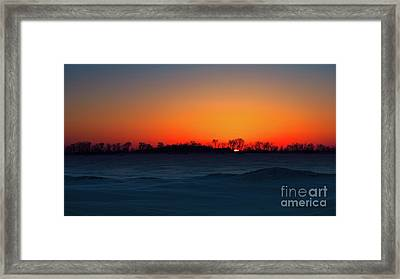 Unforgettable Rise Framed Print by Ian McGregor