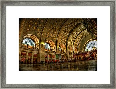Union Station - Dc Framed Print by Frank Garciarubio
