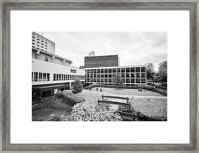 University Of Manchester Campus And Meeting Place England Uk Framed Print by Joe Fox