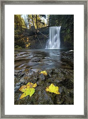 Upper North Falls In Autumn Framed Print by David Gn