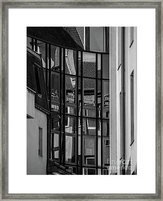 Urbain_02 Framed Print