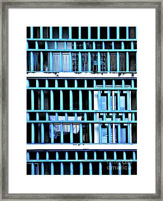 Urbain_03 Framed Print