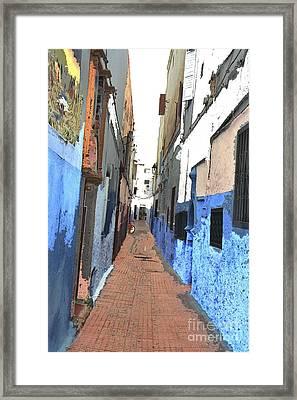 Urban Scene  Framed Print by Hana Shalom