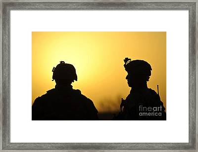 U.s. Army Soldiers Silhouetted Framed Print by Stocktrek Images