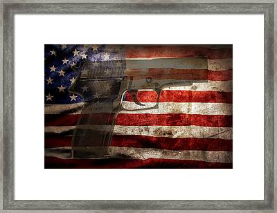 Us Gun Framed Print by Les Cunliffe
