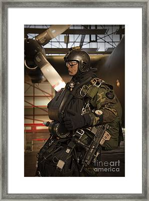 U.s. Navy Seal Combat Diver Prepares Framed Print by Tom Weber