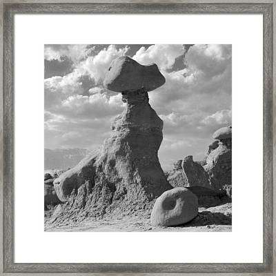 Utah Outback 28 Framed Print by Mike McGlothlen