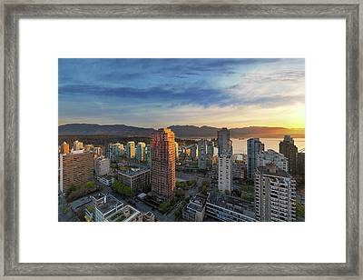 Vancouver Bc Cityscape At Sunset Framed Print by David Gn