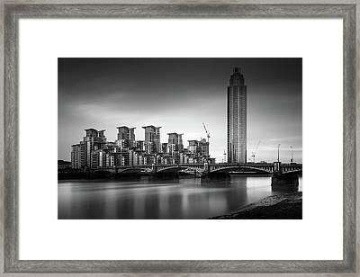 Vauxhall Bridge, London Framed Print by Ivo Kerssemakers