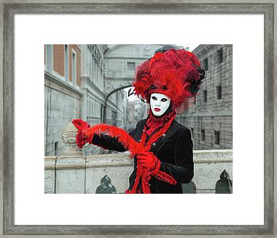 Venetian Lady At The Bridge Of Sighs Framed Print