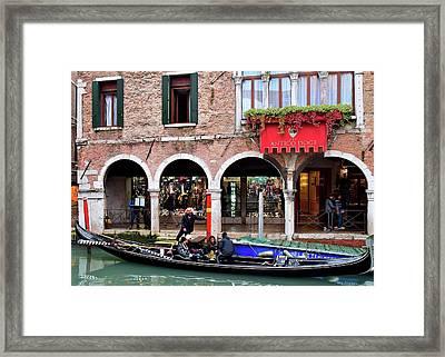 Venezia Gondolier Framed Print by Frozen in Time Fine Art Photography