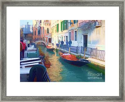 Framed Print featuring the photograph Venice Sidewalk Cafe by Roberta Byram