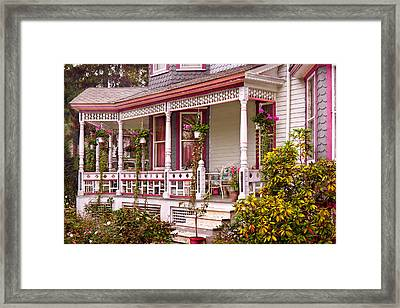 Victorian - Belvidere Nj - The Beauty Of Spring  Framed Print by Mike Savad