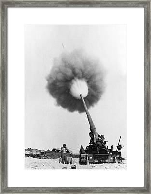 Vietnam Artillery Firing Framed Print by Underwood Archives