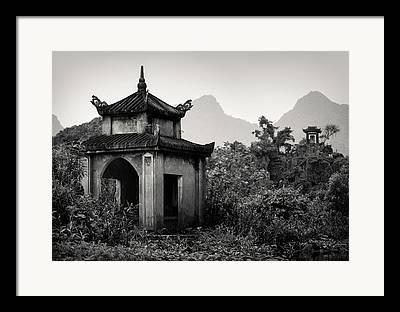 Vietnamese Beauty Framed Prints