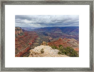 Framed Print featuring the photograph View From Yaki Point by Beverly Parks