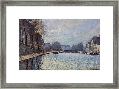 View Of The Canal Saint-martin Paris Framed Print by Alfred Sisley