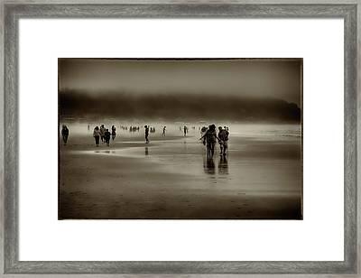 Vintage Beach Walk Framed Print by David Patterson