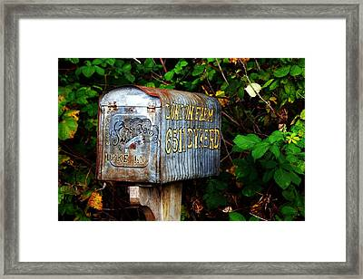 Vintage Postbox Framed Print by Ming Yeung