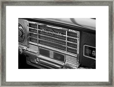 Vintage Radio B And W Framed Print by Nick Gray