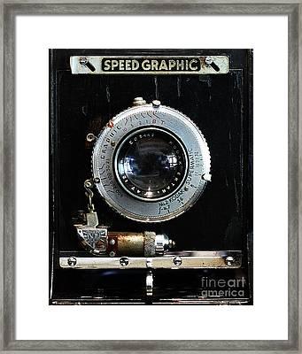 Vintage Speed Graphic Camera . 7d13214 Framed Print