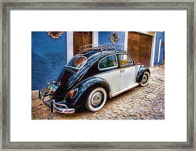 Vintage Vw Bug In Mexico Framed Print by Carol Leigh