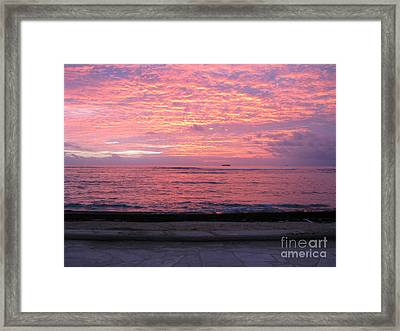 Waikiki Sunset Framed Print