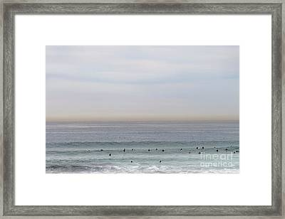 Waiting For The Wave Framed Print by Linda Lees
