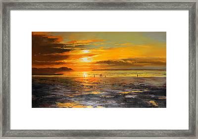 Walkers On Enniscrone Beach At Sunset County Sligo Framed Print