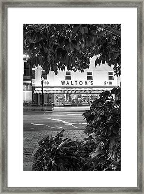 Walton Five And Dime - Downtown Bentonville Arkansas - Black And White Framed Print