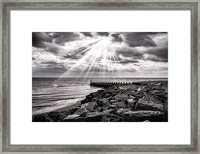 Walton-on-the-naze Framed Print by Martin Newman