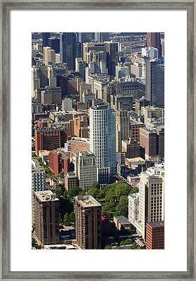 Framed Print featuring the photograph Washington Square Philadelphia Pennsylvania by Duncan Pearson