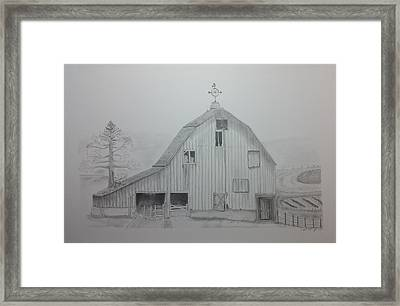 Weathered The Barn Framed Print by Daniel Kraus