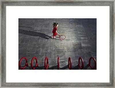 Who Is The Next? Framed Print by Kike Balenzategui