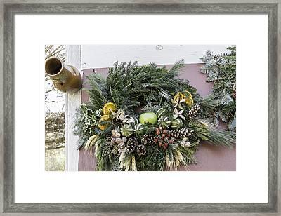 Williamsburg Wreath 08 Framed Print