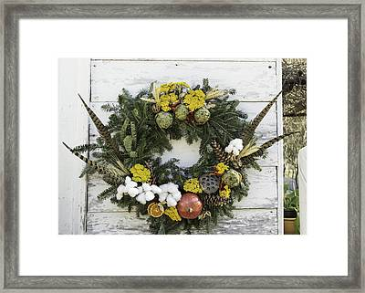 Williamsburg Wreath 09b Framed Print