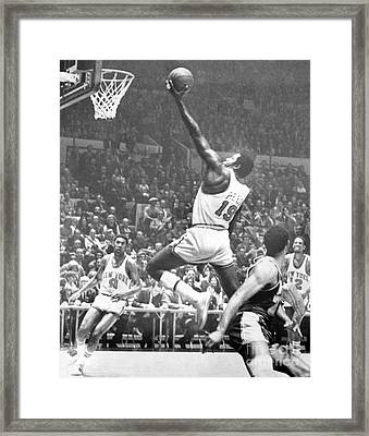 Willis Reed Soars Over Wilt Chamberlain For A Basket. 1970 Framed Print by William Jacobellis
