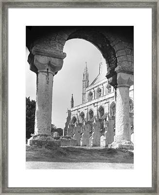 Winchester Cathedral England Framed Print by Richard Singleton
