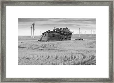 Framed Print featuring the photograph Wind On The Plains by Fran Riley