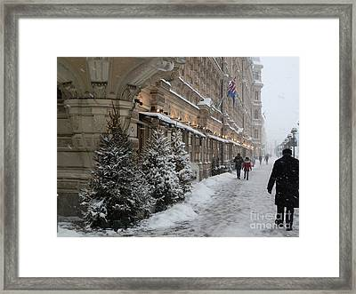 Winter Stroll In Helsinki Framed Print