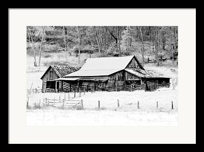 Rural Snow Scenes Photographs Framed Prints