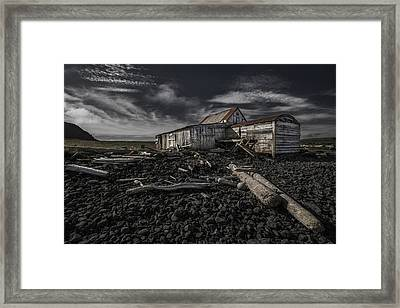 Wood Framed Print by Bragi Ingibergsson - Brin