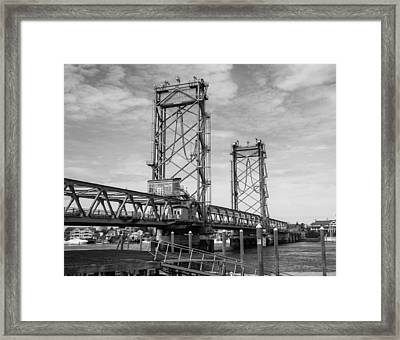 World War I Memorial Bridge Portsmouth Nh Monochrome Framed Print by Nancy De Flon