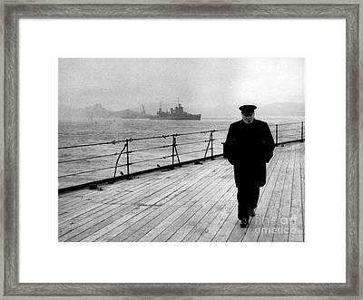 Wwii, Winston Churchill, U.k. Prime Framed Print by Science Source