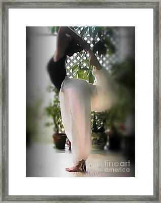 Yoga Natarajasana Framed Print