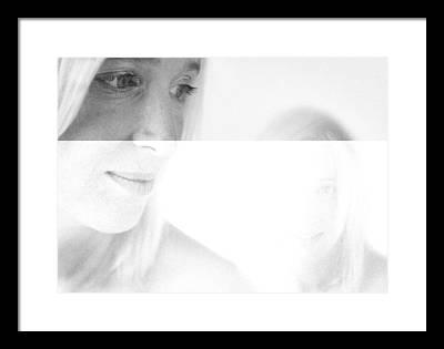 Portret Framed Prints
