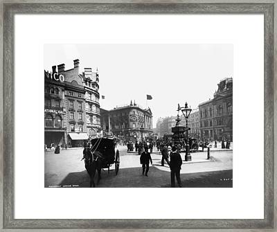 Piccadilly Circus Framed Print by London Stereoscopic Company